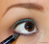 Urban Decay 24/7 Glide-On Eye Pencil in Zero, smudged into lower lash line