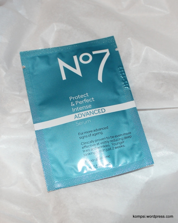 Boots No7 Protect & Perfect Intense ADVANCED Serum